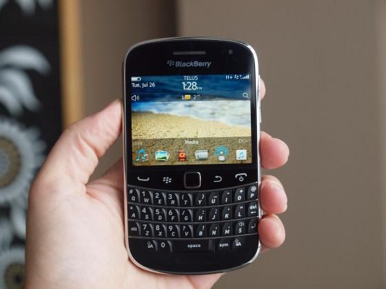 techno  blackberry bold oubliez les prix de fous